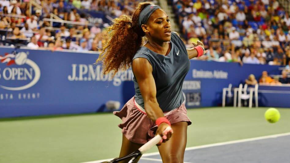 Serena Williams en plein jeu.