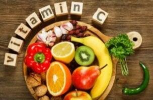 La vitamine C et ses grands bénéfices pour notre peau