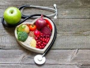 Des fruits dans un coeur.