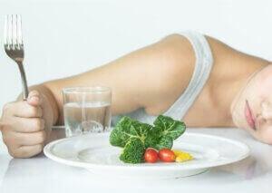 Une femme souffrant d'un trouble alimentaire.
