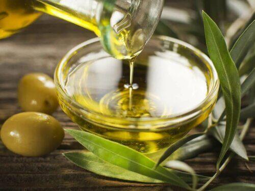 Moins de graisses saturées dans l'huile d'olive.