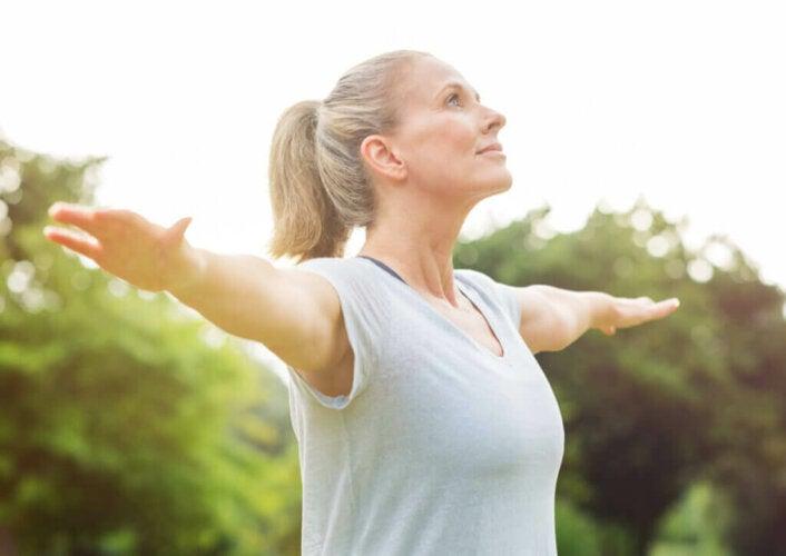 4 exercices d'équilibre pour les seniors