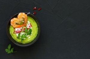 Mousse di avocado e gamberetti
