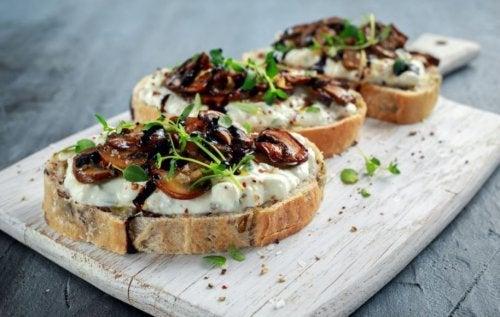 Toast ai funghi
