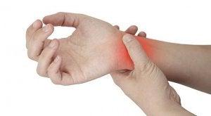 Dolore al polso della mano.