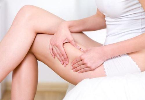 Come eliminare la ritenzione idrica in gambe e addome?