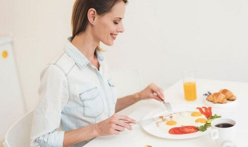 Mangiare le uova comporta dei rischi?