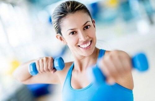 13 consigli per rendere più efficaci gli esercizi con i pesi