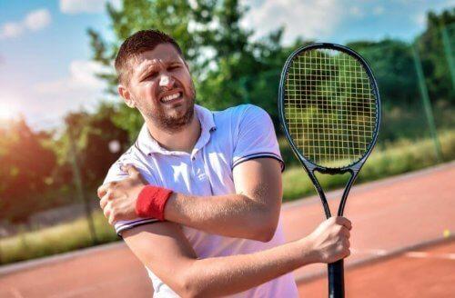 tennista con strappi muscolari
