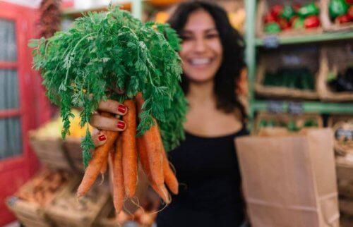 Gli incredibili benefici delle carote per la cura della pelle