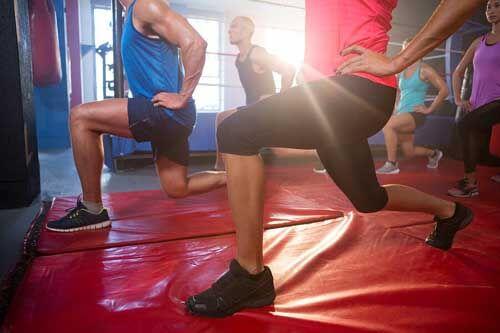 Per alleviare il dolore all'anca fate accosciate