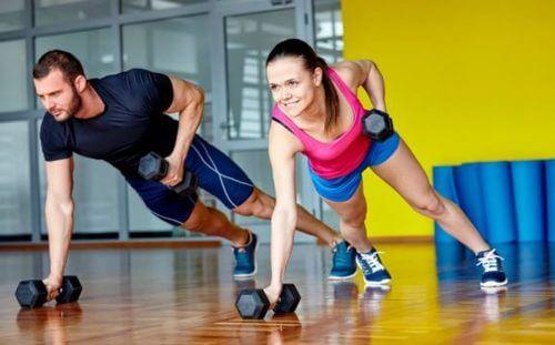 allenamento trx kettlebell per la perdita di grasso