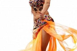 donna che balla danza del ventre