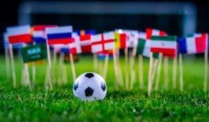 Il calcio si gioca anche in Europa e America