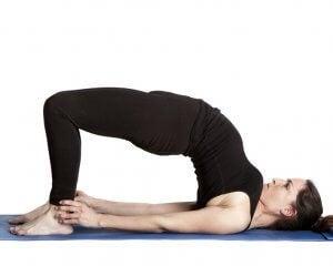 fare il ponte per alleviare il mal di schiena