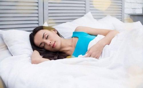 Relazione tra sonno e peso: attenzione a quanto dormite!