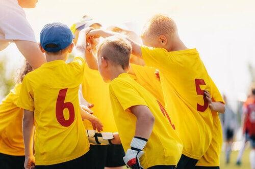 Benefici degli sport di squadra per i bambini
