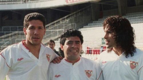 Diego Simeone con Maradona