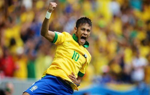 Neymar con la maglia del Brasile