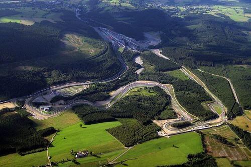 F1 in Belgio: pista in mezzo al bosco