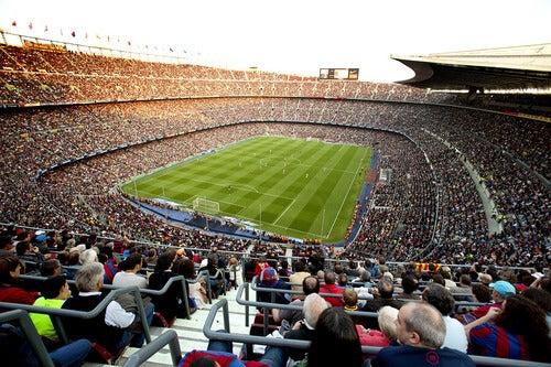 Quali sono i limiti all'entrata di uno stadio?