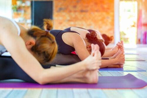 Posizione yoga stretching