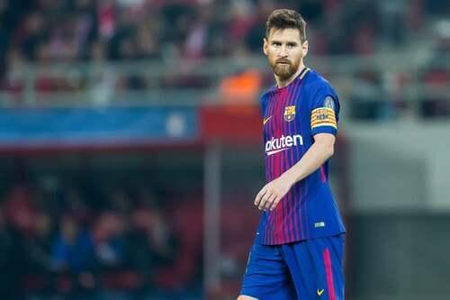 Messi con la fascia da capitano