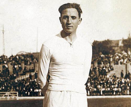 Immagine di Santiago Bernabéu quando era giocatore del Real Madrid.