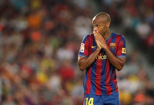 Henry con la maglia del Barcelona.