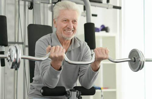 L'importanza del sollevamento pesi dopo i 30 anni