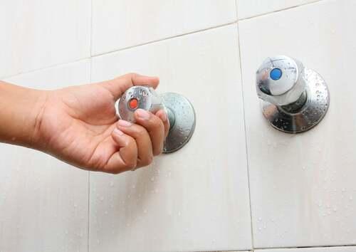 Rubinetti della doccia.
