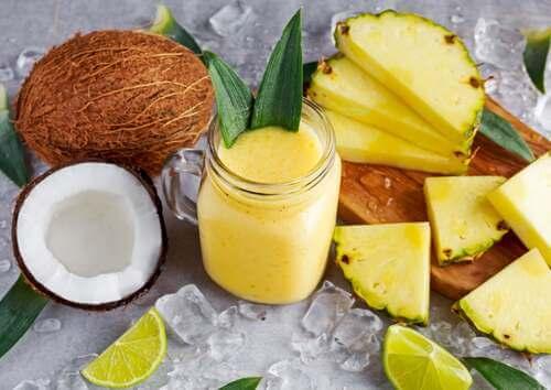 Smoothie di ananas.