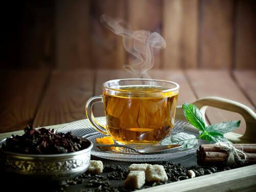 Tazza di tè alla menta.