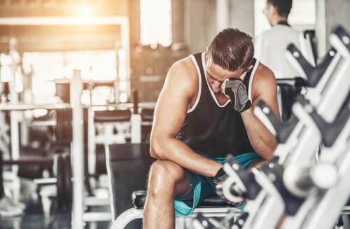 Esercizio fisico eccessivo: come accorgersene?