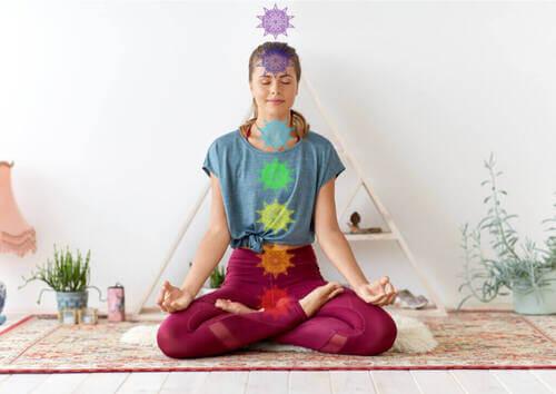 Kundalini yoga: cos'è e perché vale la pena praticarlo