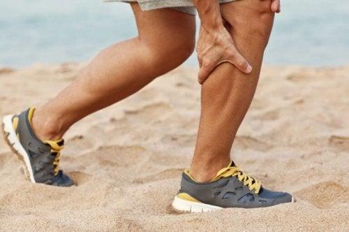 食事療法で足がつるのを防いでみよう