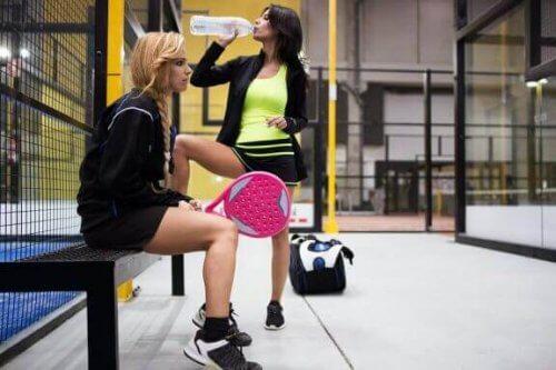 パドルテニスにおける水分補給の役割