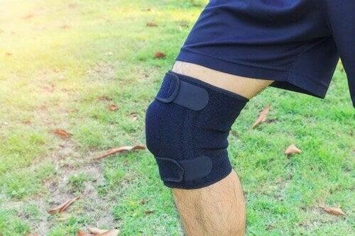膝を保護する効果が高い膝サポーター6選