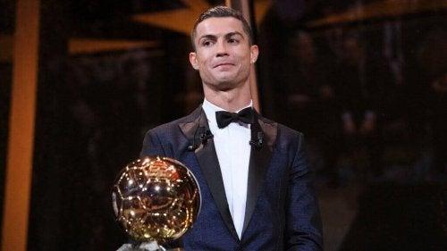 バロンドール:最優秀選手に贈られる賞