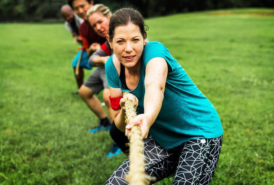 筋力の強さが不可欠なスポーツ4選 綱引き