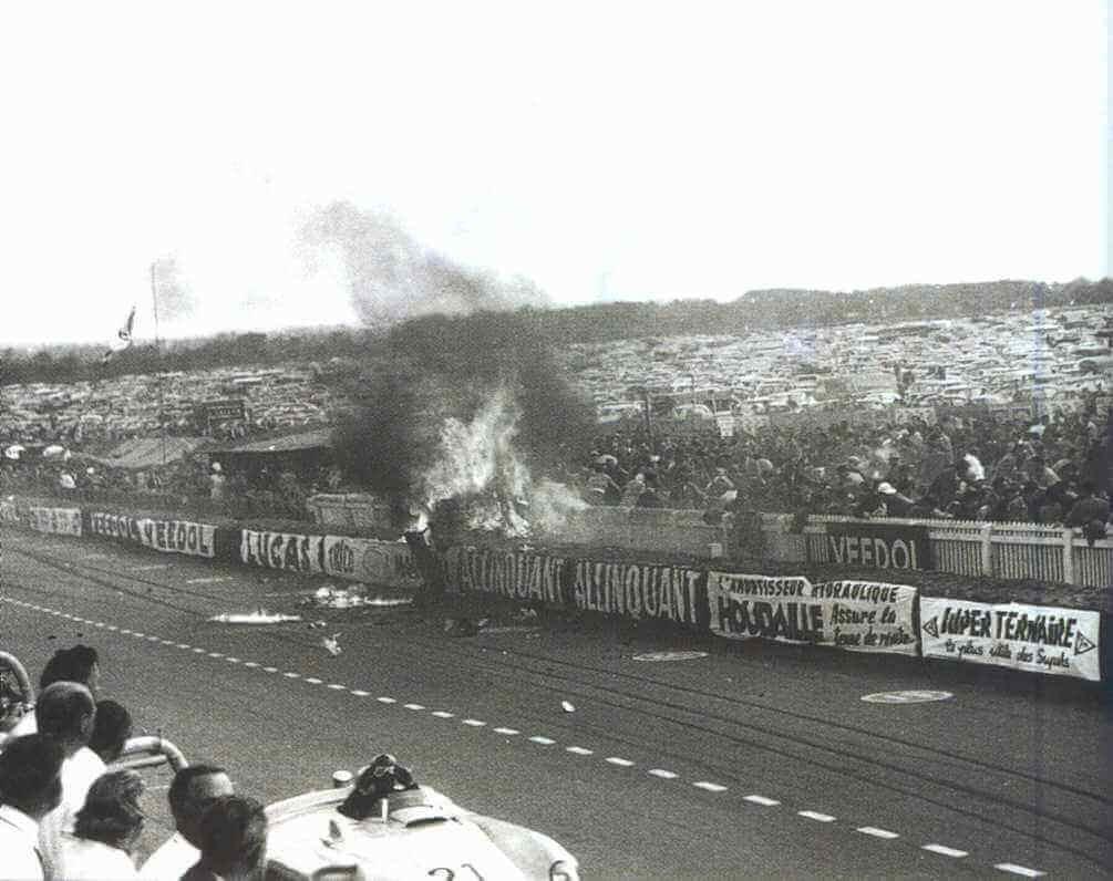 1955年に起きたル・マン24時間レースの悲劇 事故の瞬間