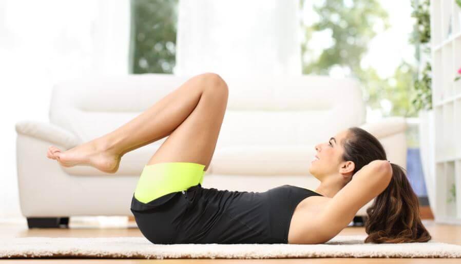 腹筋を鍛えるための新しいトレーニング方法  ニートゥーチェスト