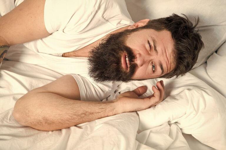 栄養が睡眠に及ぼす影響とは?