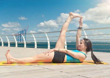 臀部の痛みに役立つおすすめストレッチ レッグリフト
