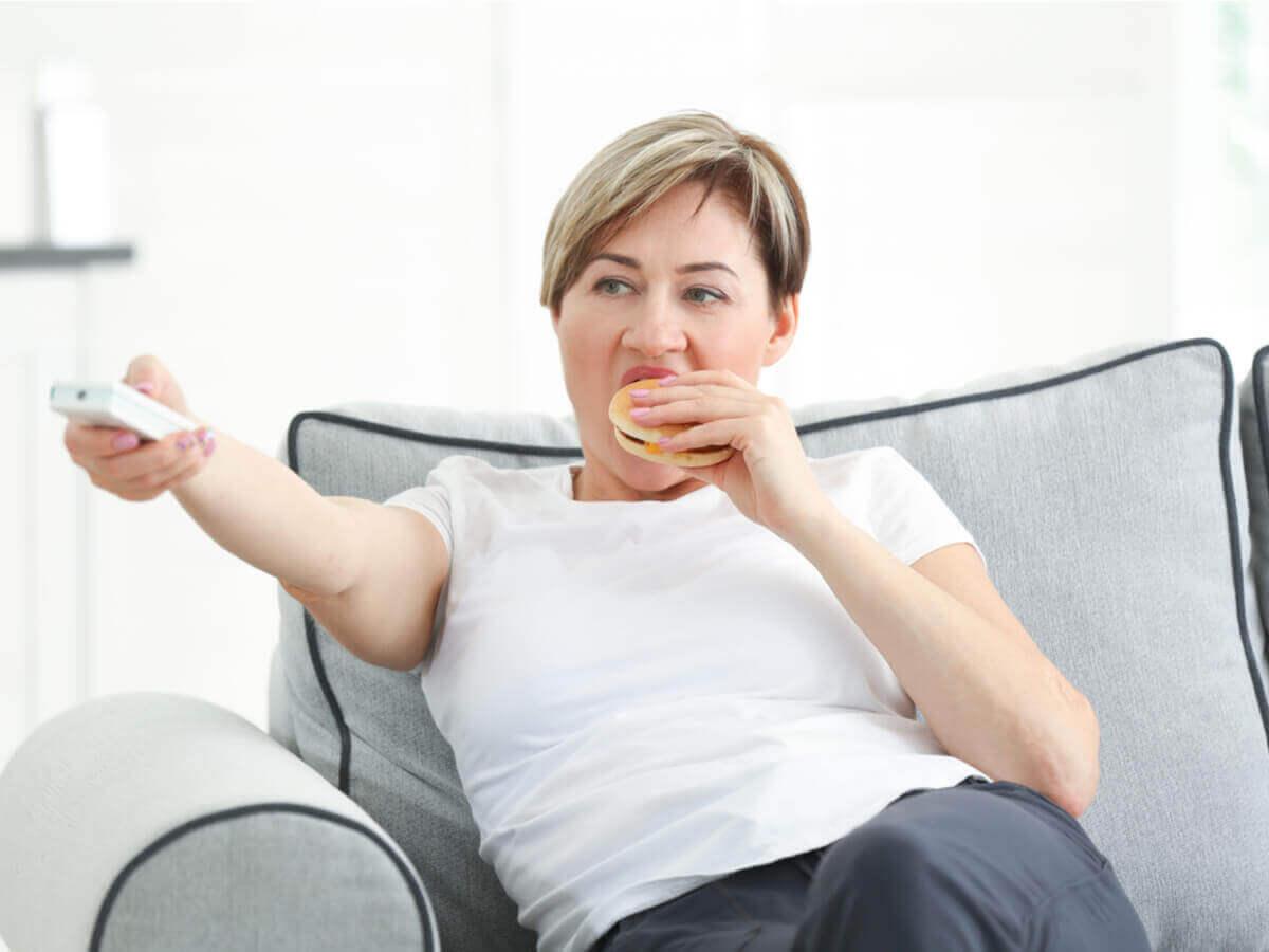 腹筋の弱さにお悩みの方におすすめのエクササイズ4選 生活習慣の乱れ