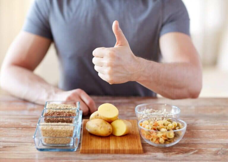 三大栄養素の一つである炭水化物の体内での働きとは?