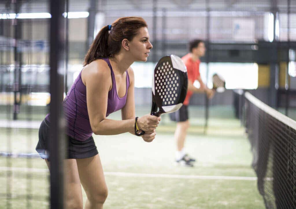 パドルテニス中の怪我を予防するためのアドバイス