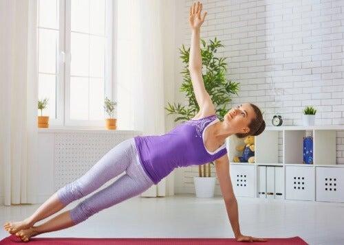 운동 기구 없이 집에서 할 수 있는 운동