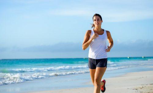 해변 달리기의 놀라운 이점 7가지