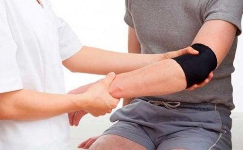 흔히 일어나는 7가지 팔 부상 및 그 방지법